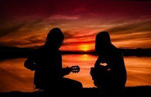 sunset 3075844 640 300x193 - שיר בהזמנה ליום האהבה