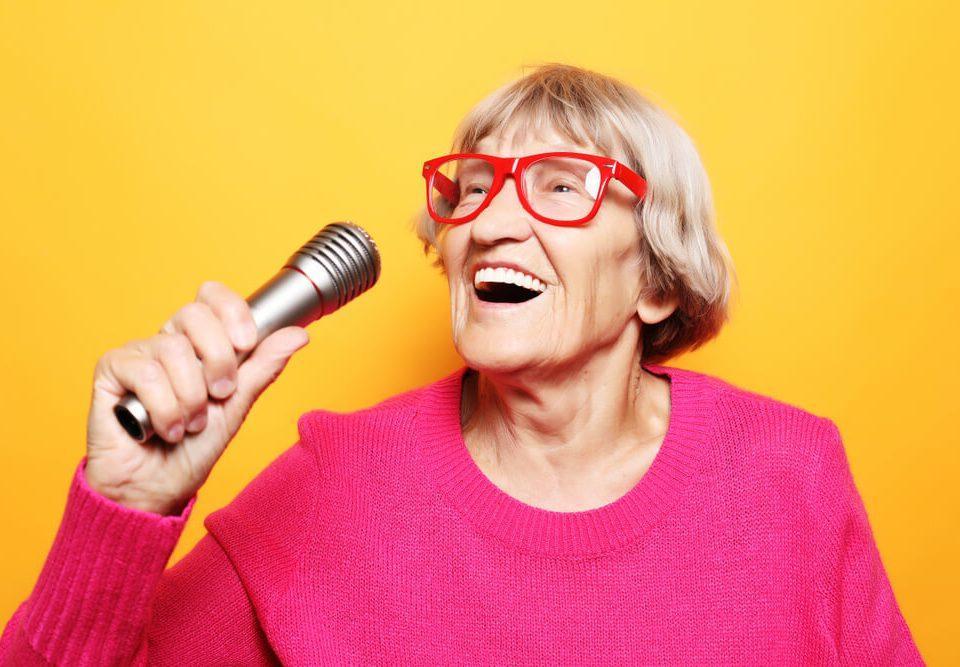 שיר בהזמנה יום הולדת 70